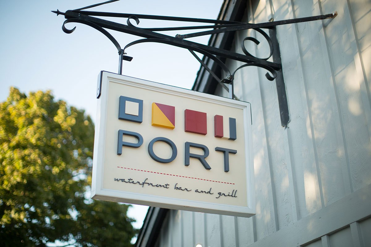 Port-bar-and-grill-sign